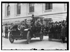 Taft's Auto leaving N.Y. Public Library  (LOC) (The Library of Congress) Tags: street new york city nyc newyorkcity usa newyork public car america vintage automobile manhattan library nypl newyorkpubliclibrary 5thavenue convertible libraryofcongress fifthavenue 1910s taft limousine 5thave 42nd 42ndstreet fifthave beauxarts carrereandhastings carrerehastings williamhowardtaft carrrehastings xmlns:dc=httppurlorgdcelements11 carrreandhastings presidenttaft dc:identifier=httphdllocgovlocpnpggbain09483 whitemotorcar 1910svintageprestaftnyclibrary