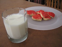 Cookies and Milk (Through Joanne's eye) Tags: love cookies hearts heart valentine happyvalentinesday valenetinesday