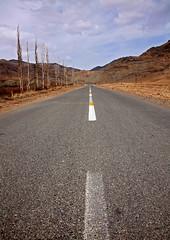 road  to abyaneh-2008 (akbar donyanavard) Tags: road iran kashan abyaneh