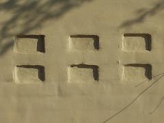 Mnster i mursten, Aarhus (Vall) Tags: shadow urban detail lines wall denmark pattern shadows details line mur danmark aarhus rhus mnster detaljer linje linjer detalje mlleparken skygger vg mllestien