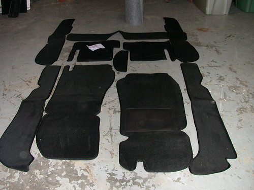 17 -- carpet set, front view