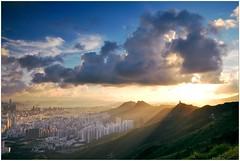 Golden Sunlight (Ky.Lo) Tags: china city trip travel blue light sunset summer sky urban hk cloud sunlight mountain landscape hongkong golden town nikon asia cityscape shine hill wideangle east tokina hong kong   shining  2010 d300  feingoshan hksars atx116 1116mmf28 1116f28