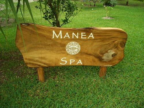 Manea Spa Sign