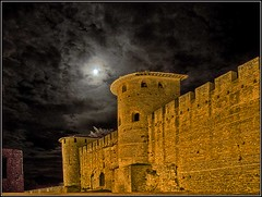 Carcassonne by Moonlight (Ian@NZFlickr) Tags: france castle bravo carcassonne naturesfinest magicdonkey mywinners anawesomeshot diamondclassphotographer flickrdiamond ysplix