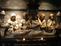 Sarcophagus (Keith Mac Uidhir 김채윤 (Thanks for 8m views)) Tags: light brussels luz church la cathedral belgium belgique belgië bruxelles sarcophagus bruselas brüssel brussel bruxelas brabant eglise luce cathedrale flanders belgien belgio bélgica vlaams bryssel belgia ベルギー brüksel brukseli belçika brüsszel belhika 比利时 布鲁塞尔 ブリュッセル بلجيكا бельгия العاصمة بروكسل brusselse bỉ 벨기에 브뤼셀 βέλγιο बेल्जियम إقليم ประเทศเบลเยียม บรัสเซลส์ 首都大区 брюссельский ब्रुसेल्स bèlgia bẹ́ljíọ̀m
