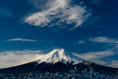 sublime (takay) Tags: morning blue sky cloud white mountain snow japan landscape bravo fuji bec sublime  soe  mtfuji yamanashi beautifulscenery fujiyoshida naturesfinest fpc sobeautiful michinoeki magicdonkey flickrsbest goldenmix abigfave platinumphoto anawesomeshot superaplus aplusphoto superbmasterpiece diamondclassphotographer flickrdiamond takay ysplix overtheexcellence wonderfulworldmix betterthangood theperfectphotographer thebestpicturegallery