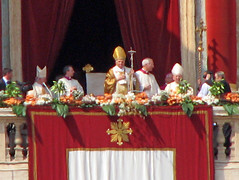 Saint Peter's Square - The Pope Benedict XVI before the Urbi et Orbi Blessing (*Checco*) Tags: city italy pope vatican rome roma architecture easter square joseph italia balcony blessing vaticano peter papa piazza mass ratzinger liturgy lazio citt pietro pasqua holiness vaticancity urbe loggia piazzasanpietro benedict saintpeterssquare josephratzinger messa holysee benedictxvi benedictus benedetto benedettoxvi liturgia cittdelvaticano citteterna eternalcity benedizione urbietorbi caputmundi santasede santit