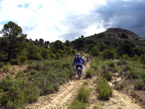 STOP motos y quads en sendas forestales