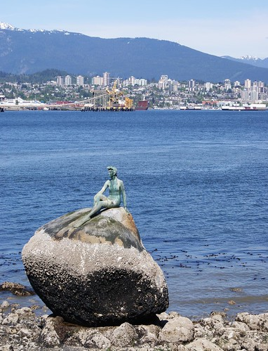harbour with statue