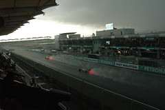 Wet main straight