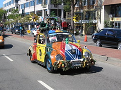 "2007 How Berkeley Can You Be Parade: Berkeley Art Car Impresario Harrod Blank's ""Oh My Gawd"" (Geodog) Tags: california usa art berkeley parade artcar howberkeleycanyoube ohmygawd harrodblank onlyinberkeley"