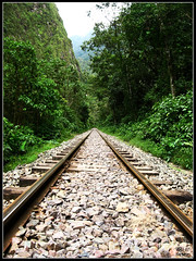 Ruta Sin Fin (el.nalga@gmail.com) Tags: railroad machu picchu del train canon tren is photo picture machupichu greatshot hermoso goodshot interesante beutiful fotografa smrgsbord lneas 720 vas greatcapture goodcolours perfectshot nalgaman goodcarpture