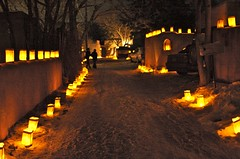 Johnson Lane, Christmas Eve (wycombiensian) Tags: snow newmexico santafe christmaseve luminarias canyonroad farolitos capturetheseason