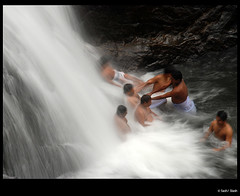 palaruvi waterfalls (sash/ slash) Tags: swim movement action kerala sash waterfalls trivandrum palaruvi thenmala sajesh