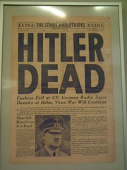 Hitler Dead (JUMBOROIS) Tags: berlin germany munich deutschland newspaper war nazi hitler ss alemania museo sa periodico holocausto diari nazism alemanya nsdap deustchhistorischemuseum hitlerdead germanyinwar nazismoaleman