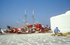 Aegean mood (Rob de Hero) Tags: analog port greek islands fisherman aegean slide dia greece analogue greekislands hafen griechenland paros fischer naoussa kyklades kykladen ägäis griechischeinseln