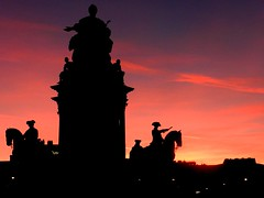 Maria Theresien Plats Wien in backlight (moniq84) Tags: wien vienna platz maria theresien backlight jour controluce dark sunset pink violet colors monuments atchitecture horses black silhouette clouds contre statue sky