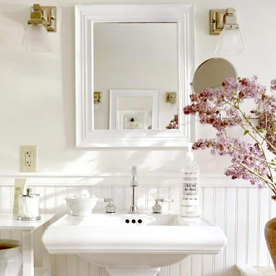 white-bathroom-fresh-light-filled