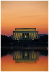 Lincoln Memorial at dusk (Magda'70) Tags: red usa america us dc washington nikon dusk lincolnmemorial d200 2007 aplusphoto zymon