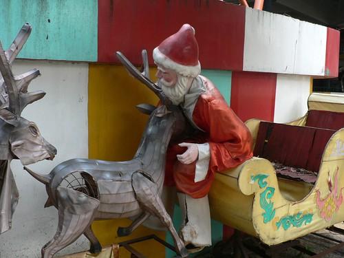 Dam Sen Santa