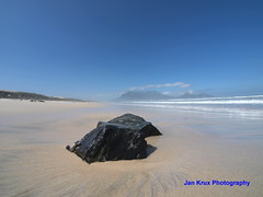 Table Mountain big and small (jan-krux photography) Tags: blue sea sky mountain water rock landscape southafrica sand tide capetown e3 tablebay milnerton naturesfinest zd woodbridgeisland 714mm