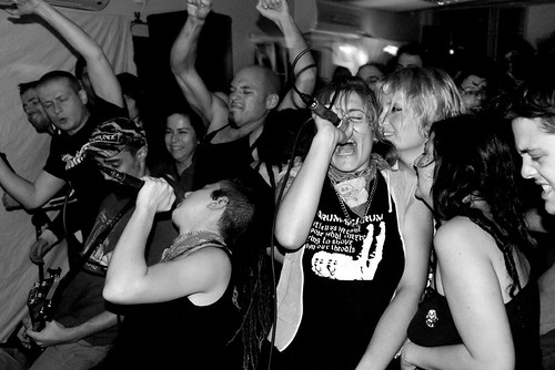 Cinema Paradildo: Riot Grrrl + Queercore | בנות ומהומות