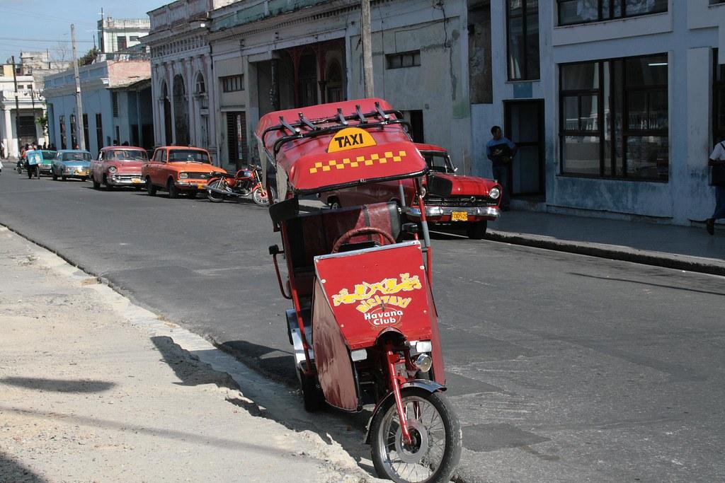 Cuba: fotos del acontecer diario 2183598134_5ed3c32759_b