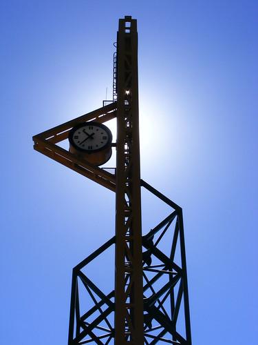 reloj universidad autónoma de baja california