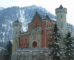 Castle Entrance - Neuschwanstein Castle - Schwangau, Germany (tossmeanote) Tags: castle germany deutschland bavaria europa europe landmark palace neuschwanstein schloss markstein tossmeanote