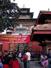 Kathmandou (GUSTAVimages) Tags: nepal baby trek vacances kali gustav fete enfant bébé tika priere kathmandou
