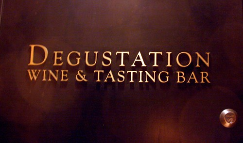 Degustation signage (on their door)