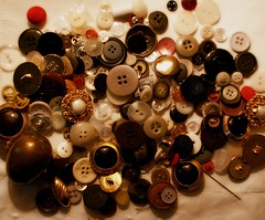 I bottoni della nonna (brilliantdandy) Tags: old oldstyle buttons mum button dandy nonna granma bottoni brilliantdandy