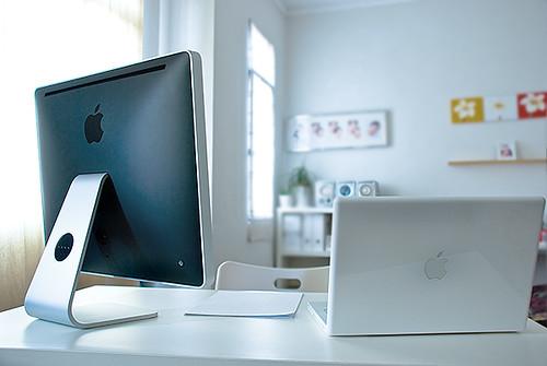 imac и macbook компьютерное место