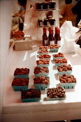 i remember berries (Viv   Seattle Bon Vivant) Tags: seattle summer film analog berries rangefinder ishootfilm filmcamera analogphotography canonetql17giii universitydistrictfarmersmarket agfaoptima400 vintagefilmcamera wacatepi