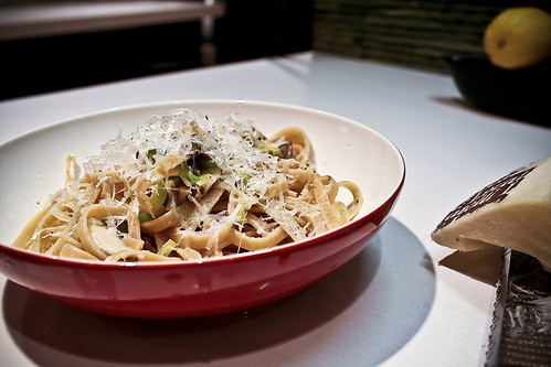 mushroom leek pasta carbonara