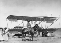 Colonel Granville Ryrie and a box kite, 1914