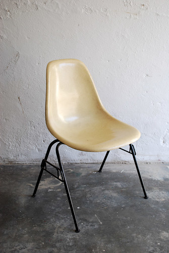 Eames DSSN Side Chair