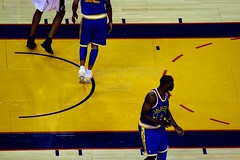 2007-12-11 849 (Badger 23 / jezevec) Tags: california basketball sanantonio spurs oakland warriors bola nba baloncesto goldenstate   basketbal pallacanestro sanantoniospurs goldenstatewarriors  jezevec basketbol     koarka krepinis professionalbasketball keranjang kosrlabda oraclearena basketbols nbabasketball saskibaloi  krfuknattleikur badger23  kokov basketbalov  lmkhi  cispheil  kurvabltur