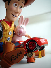 Woody & Lapinou au volant de Cars crasant Kenny qui traverse (nicouze) Tags: park lighting rabbit cars toy cowboy kill crash accident south flash woody disney story pixar murder kenny jouet lapin mcqueen nicouze rickspixtop50