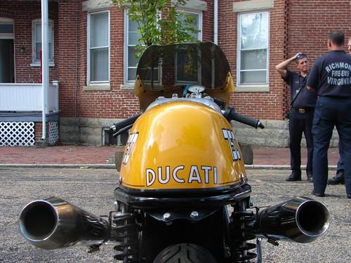 Vintage Racing Ducati_9-30-06