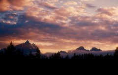 Yellowstone114 (JKiesow) Tags: park sunset sky cloud mountain mountains nature clouds nationalpark wyoming teton tetons grandteton wy grandtetonnationalpark mywinners thatsbostin