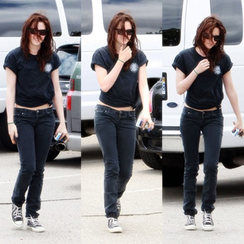 Kristen Stewart spotted heading to an office building in Toluca Lake,