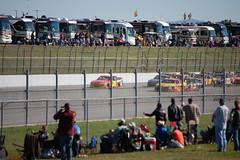 (bamafan413) Tags: race fence track alabama pack nascar fans leaders rvs superspeedway ampenergy500 talladege