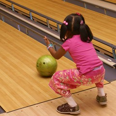 This kid OWNED the granny style bowling technique