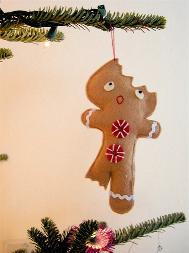 christmas ornament: pattern for a half eaten gingerbread man