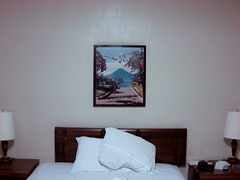 Guatemala City, Guatemala (josewolff) Tags: plaza old city white classic blanco lamp de table landscape volcano hotel noche bed bedroom agua interior guatemala room 4 picture paisaje pillows pillow blanca frame marco z lampara viejo cuarto zona mesa pintura clasico cabecera cuadro volcan lamparas guatemalteco hotelplaza almohadas volcandeagua