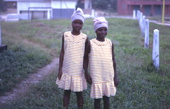 Sisters, Pendembu, Sierra Leone (West Africa), 1967 --- another view (gbaku) Tags: pictures africa girls portrait west girl sisters scarf portraits children town photo 60s village child photos head sister african picture villages sierra photographs sierraleone photograph westafrica afrika 1960s anthropologie towns leone sixties anthropology africain afrique ethnography scarfs ethnology africaine westafrican ethnologie pendembu afrikas