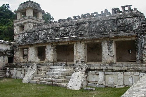 Visiting the Mayan city of Palenque
