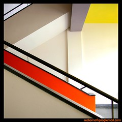 Bauhaus (sediama (break)) Tags: stairs germany bravo colours treppe staircase bauhaus staircases dessau treppenhaus waltergropius 500x500 firstquality supershot fineartphotos mywinners colorphotoaward sediama 240x240 winner500 bysediamaallrightsreserved
