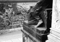 Berlin_Wall_Nov1989